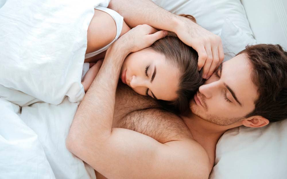 Why Married Couples Should Sleep In Separate Beds Reader