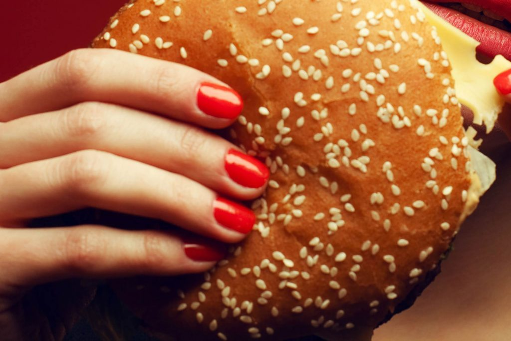 04-Are-Cheat-Meals-Good-Or-Bad-For-Weight-Loss--shutterstock