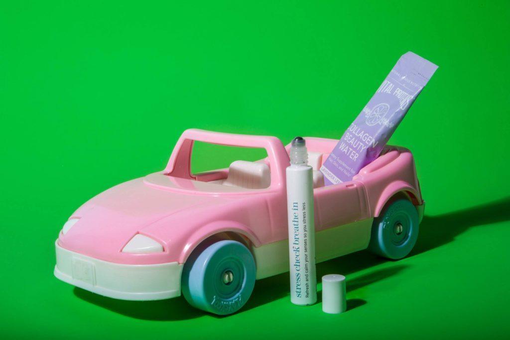 05-Makeup-Essentials-Beauty-Bloggers-Keep-in-Their-Car-Matthew-Cohenrd.com