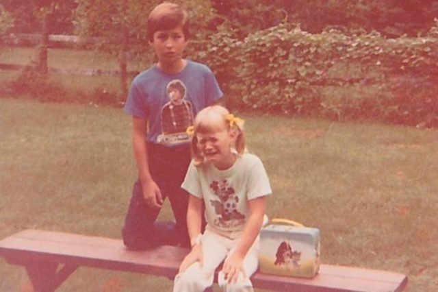 06-1669774655--Hilarious-Back-to-School-Photos-Bound-to-Leave-Parents-in-Stitches-AwkwardFamilyPhotos.com