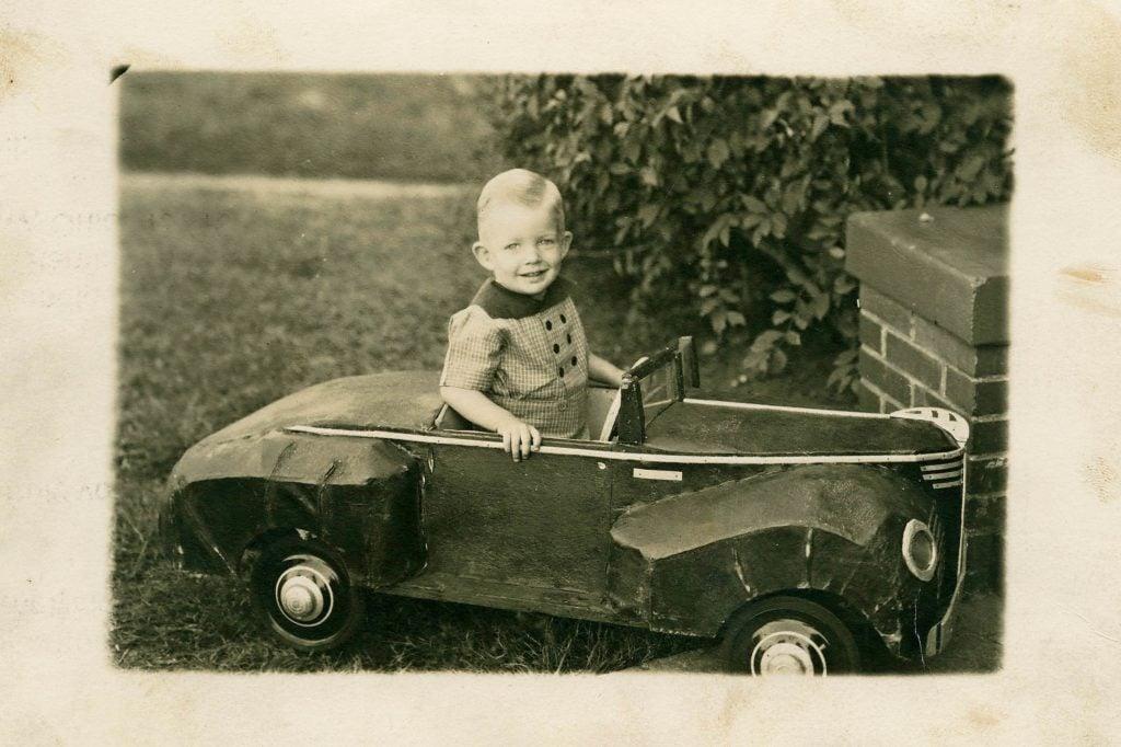 06-Nostalgic-Photos-That-Capture-the-Magic-of-Childhood-EarlVandigrifft