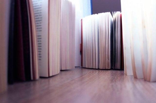 06-read-Boring-Habits-of-boring-people_642134473-jullien_fall