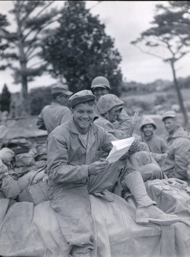 06_Dickey_Chapelle_Marine-reading-letter-115129