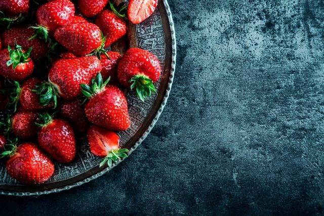 Foods-Queen-Elizabeth-II-Would-Never,-Ever-Eat