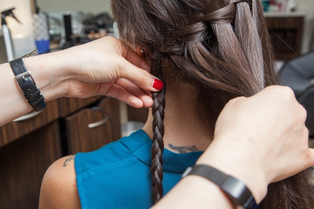 08-A-Step-By-Step-Guide-to-Mastering-the-Waterfall-Braid-Matthew-CohenRd.com