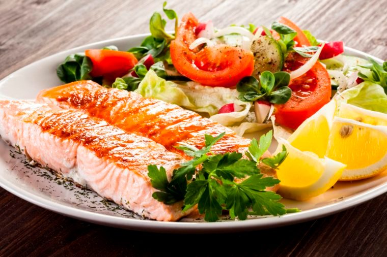10-whole-30-Great Weight-Loss Tricks We Can All Learn From Today's Top Fad Diets_262937639-Prasith-Toudomvet