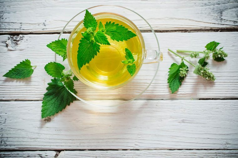 Stop-Everything—Spearmint-Tea-Could-Be-the-Cure-for-Acne-505128496-Maya-Kruchankova