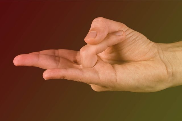 Holding-Your-Hand-in-This-Position-Could-Boost-Your-Metabolism