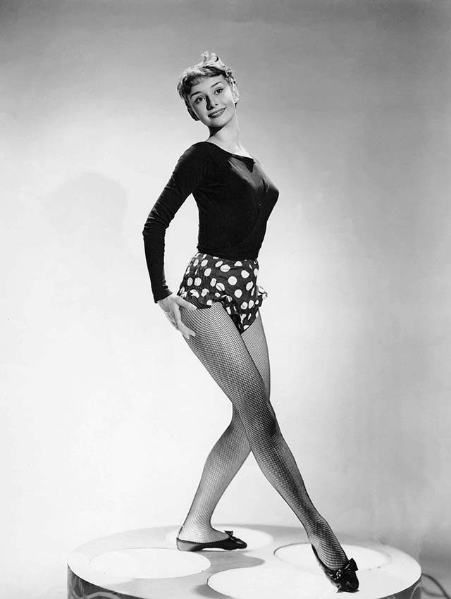 01-This-Is-How-Audrey-Hepburn-Stayed-So-Slim-5874110a-KobalREXShutterstock
