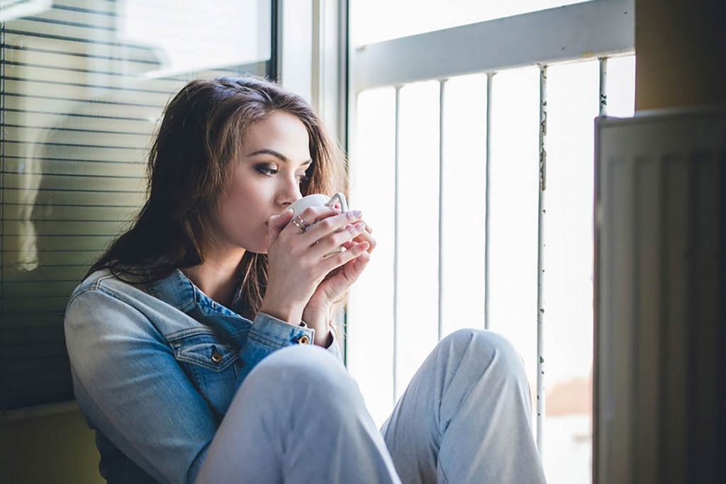 01-Ways-Your-Home-is-the-Cause-of-Your-Anxiety-shutterstock