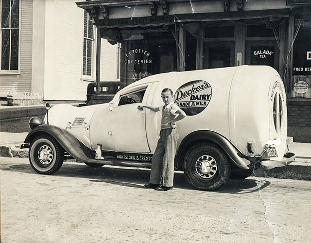 01-dairy-Believe-it-or-Not,-Delivery-Services-Have-Been-Around-for-a-While---But-They-Used-to-Look-a-lot-Different-courteesy-Bruce-BertramReminisce-Magazine