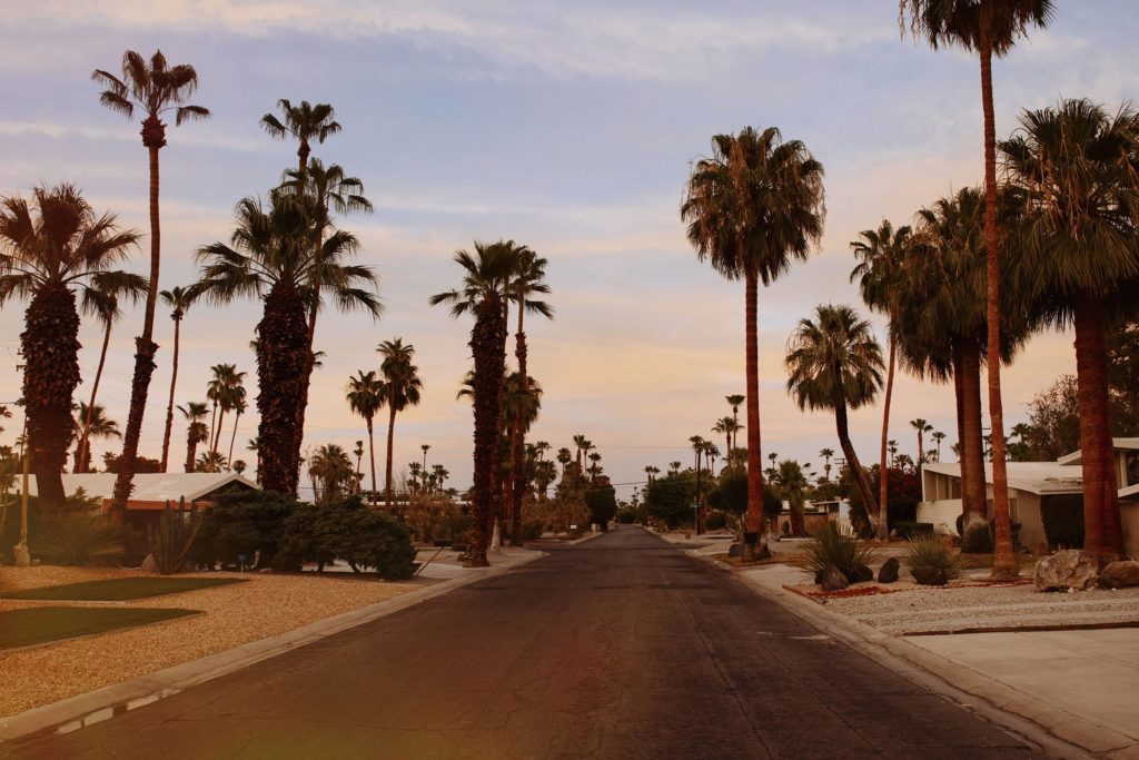 01-palm-springs-best-Small-Towns-in-America-for-Retirement-4793095a-CulturaREXShutterstock