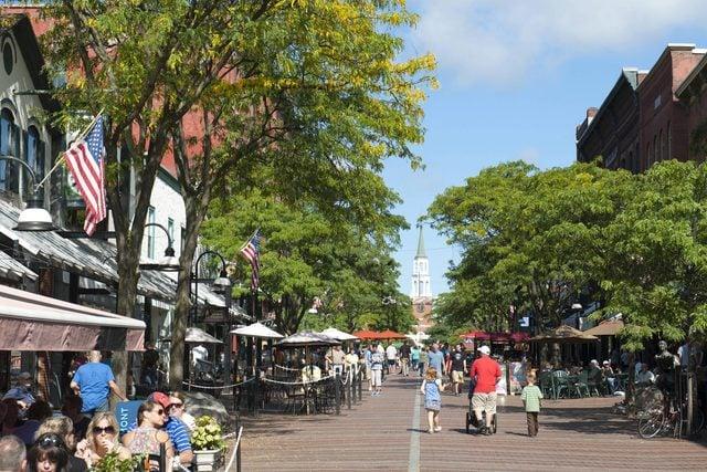 02-burlington-best-Small-Towns-in-America-for-Retirement-5716003a-AuthimageBROKERREXShutterstock