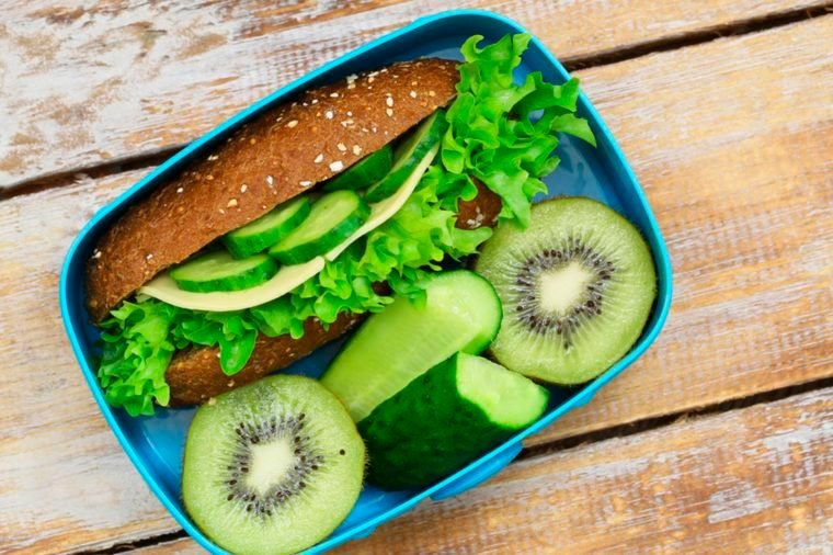 02-skip-meals-Everyday Habits That Will Reduce Your Risk of Headaches Guaranteed_598688192-graletta-Bojan-Milinkov