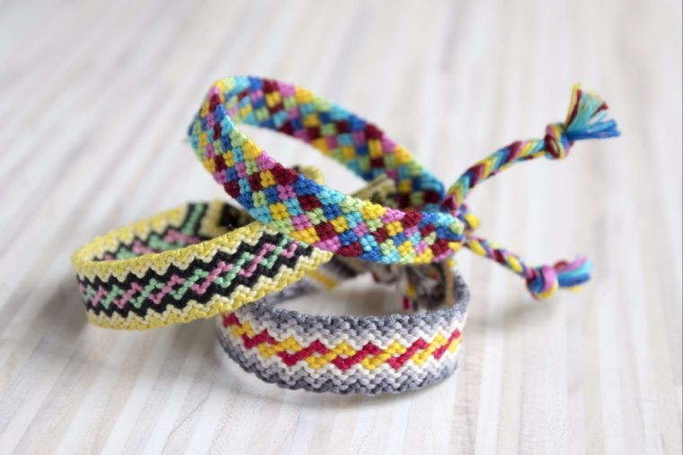 03-bracelet-Adorable Ways to Make the First Day of School Special_613383689-Iva Vagnerova
