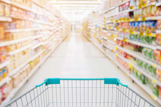 03-light-Research Shows That Men and Women Grocery Shop Differently. Do You Agree?_674560456-Kwangmoozaa