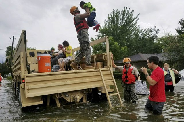04-8-photos-of-the-most-dramatic-rescues-from-hurricane-harvey-editorial-9028400f-HANDOUT--EPA-EFE--REX--Shutterstock