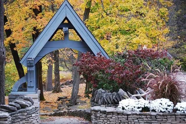 05-bloomington-best-Small-Towns-in-America-for-Retirement-563575540-Kim-Lewis-Photography
