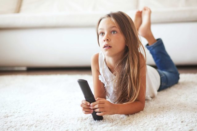 06-breaks-Ways to Prep Your Home for a Successful School Year_234977980-Alena-Ozerova