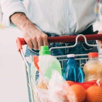 Yes, Men and Women Grocery Shop Differently—Here's How