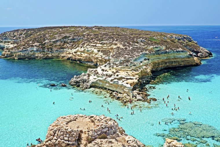 07-italy-shutterstock_Beaches With the Clearest Water in the World-Giuseppe-Traca
