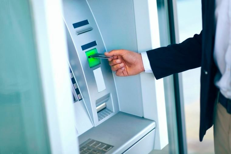 08-atm-Things An Identity Thief Won't Tell You_