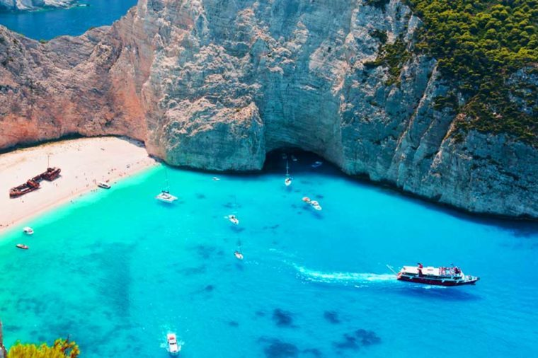 08-greece-Beaches With the Clearest Water in the World_550112938-Michail-Makarov-FT
