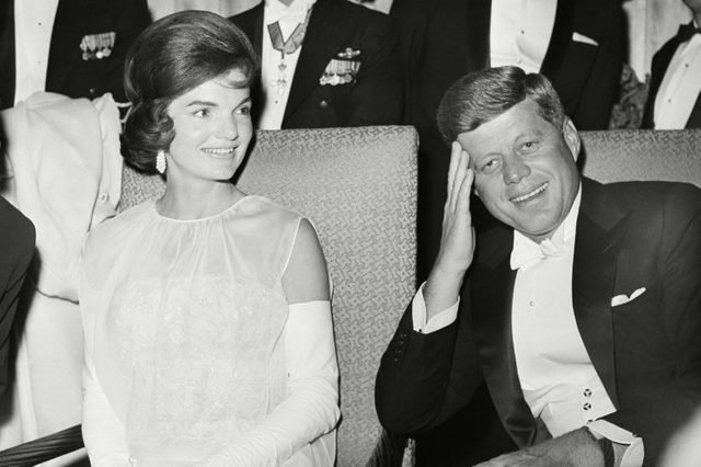10-15-rarely-seen-photos-of-jfk-and-jackie-kennedy-6008002a-Uncredited-AP-REX-SHUTTERSTOCK