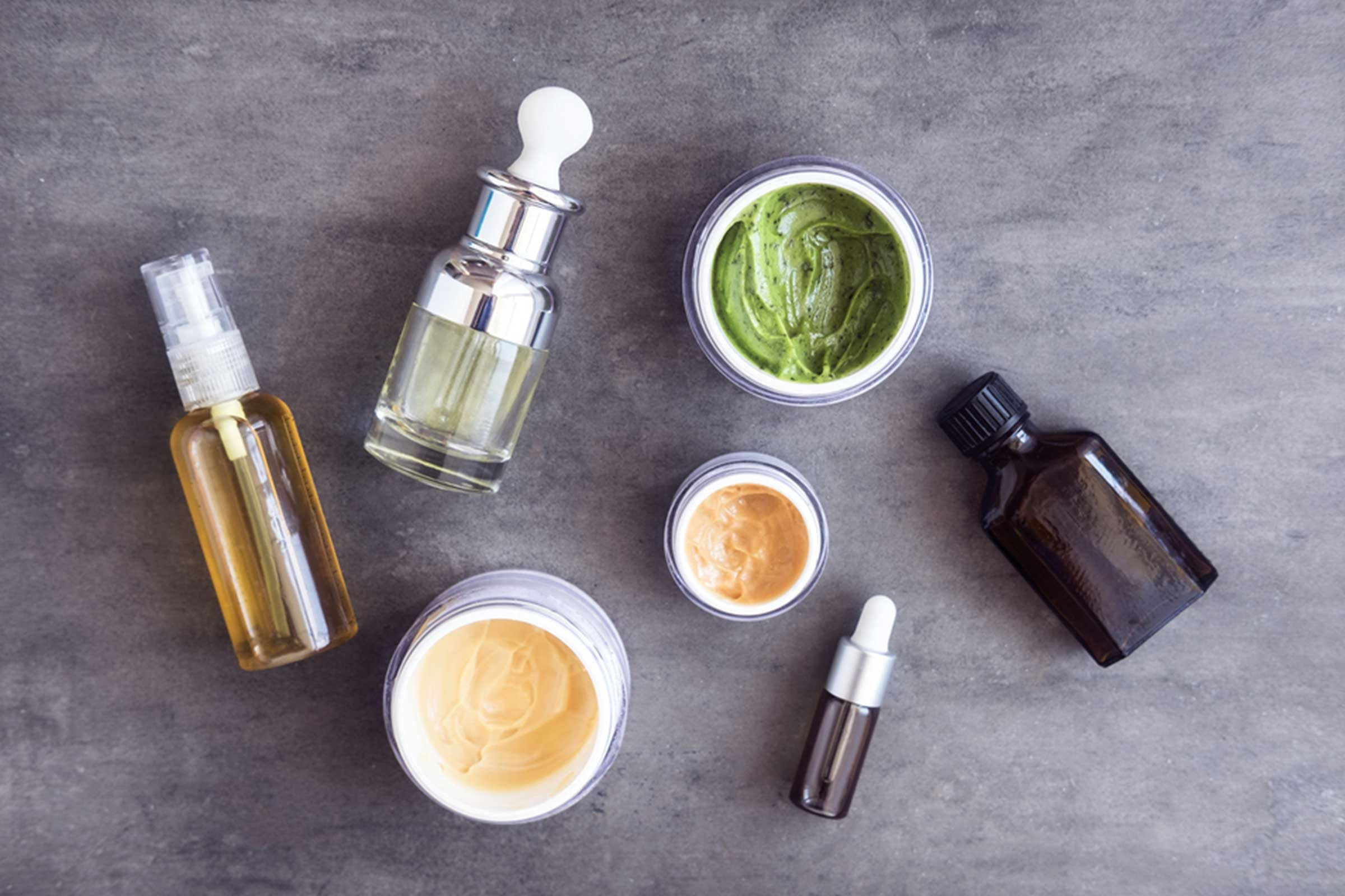 11-expired-Things-You-Must-Never-Ever-Do-to-Your-Skin,-According-to-Dermatologists_659319469-July-Prokopiv