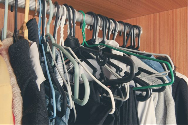 12-no routine-Biggest Closet Organizing Mistakes and Super-Easy Fixes_556768816-varandah