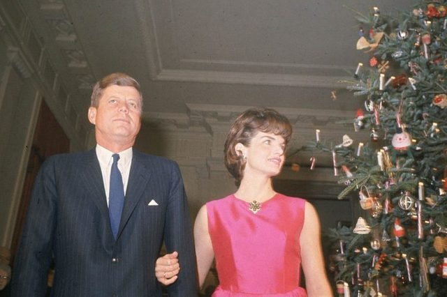 14-15-rarely-seen-photos-of-jfk-and-jackie-kennedy-5938205a-AP-REX-Shutterstock