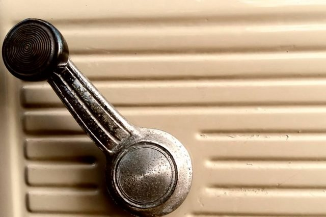 14-car-window-These 29 Things 2000s Kids Will Never Understand Will Make You Feel Old as Heck_416896468-jarabee123
