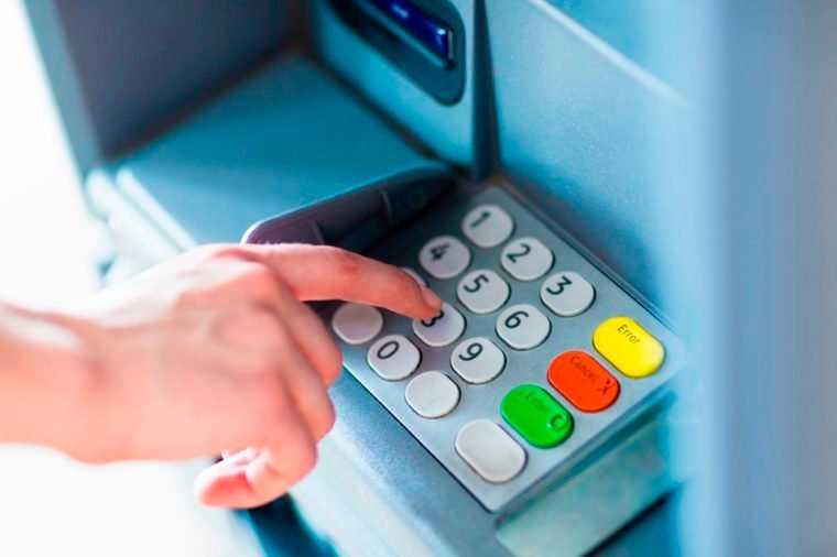 22-atm-Things An Identity Thief Won't Tell You_191239610-PKpix