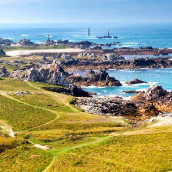 30 Secret Island Escapes Around the World