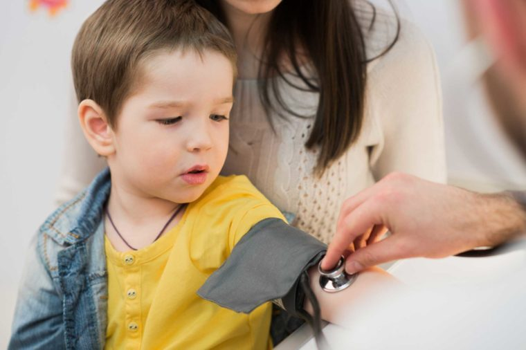 Here's What You Need to Know About the New Guidelines for High Blood Pressure in Children_422740267-Roman-Kosolapov