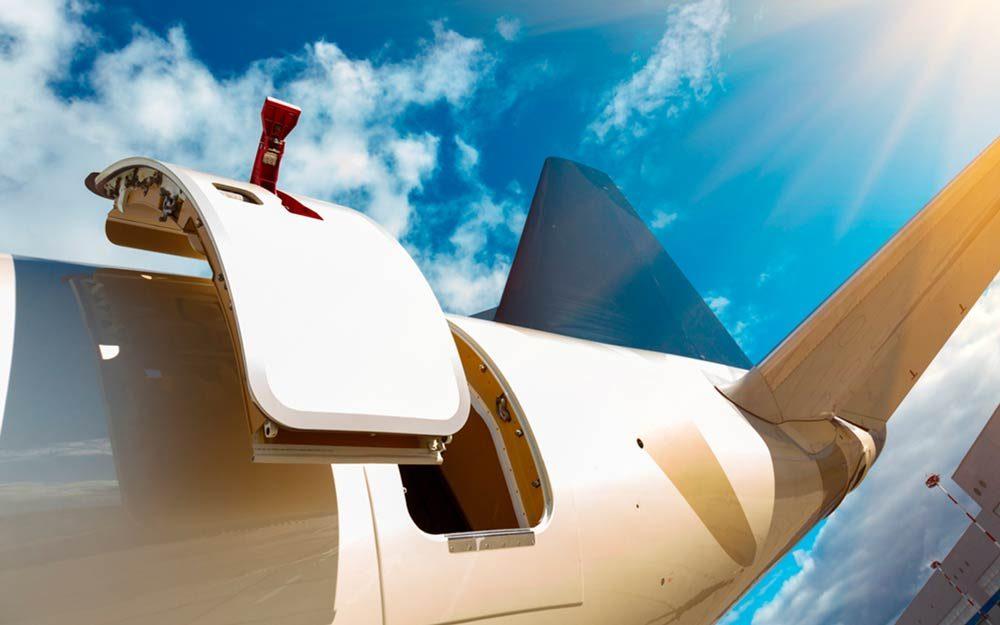 Here\u0027s What Would Happen If the Plane Door Opened Mid-Flight   Reader\u0027s Digest & Here\u0027s What Would Happen If the Plane Door Opened Mid-Flight ...