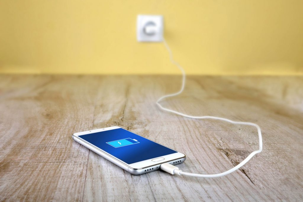 The-Best-Way-to-Charge-Your-Device-Will-Make-its-Battery-Last-Way-Longer_578021803_Remitski-Ivan