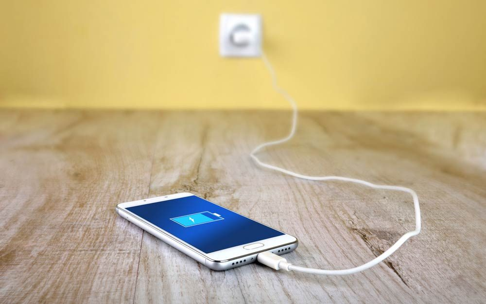 The Best Way to Charge Your Device Will Make Its Battery Last  Way Longer