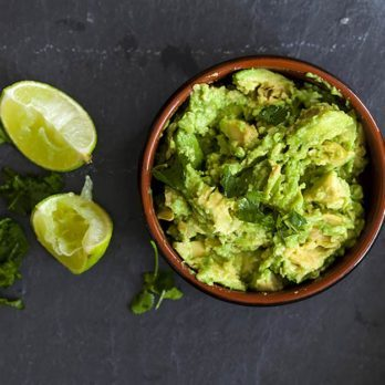 This Easy Trick Will Keep Your Guacamole from Going Brown