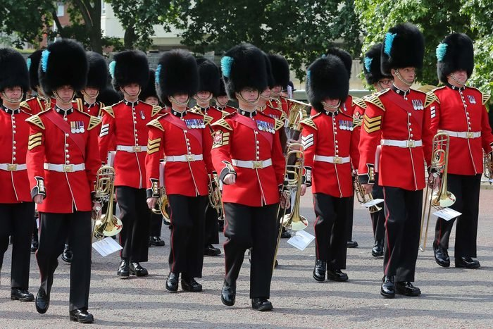 Things-You-Never-Knew-About-the-Queen's-Guard-8874544e-Dinendra-HariaREXShutterstock