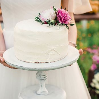 This Southern Wedding Cake Tradition Is the Absolute Sweetest Thing You'll See