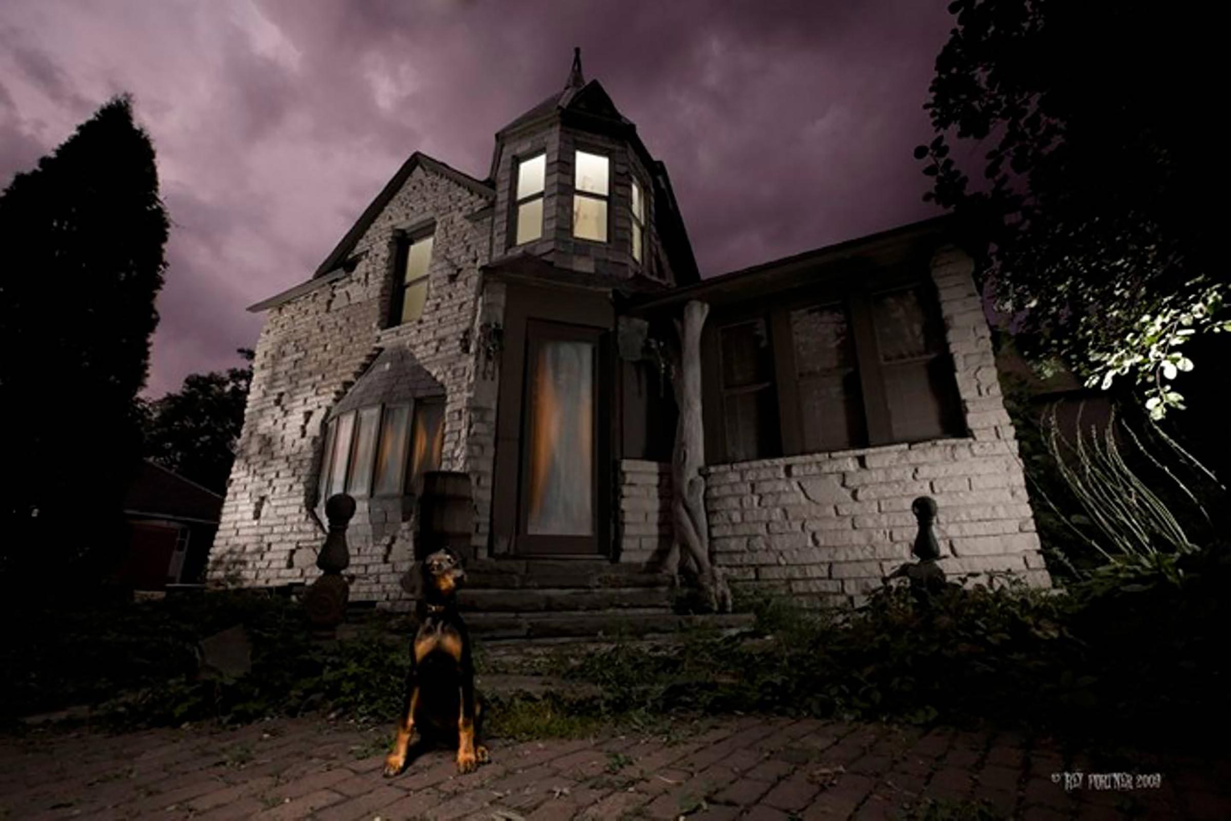 Haunted Airbnb Haunted Places You Can Stay On Airbnb Reader S Digest