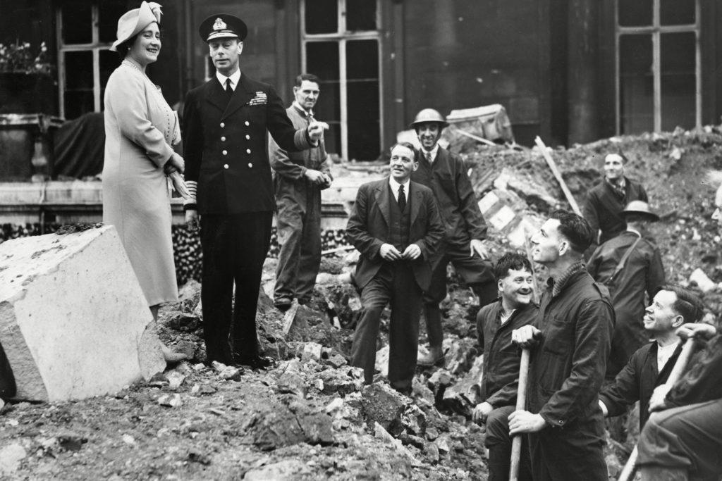 02-bombing-rarely-seen-buckingham-palace-editorial-7665064c-Historia-REX-Shutterstock