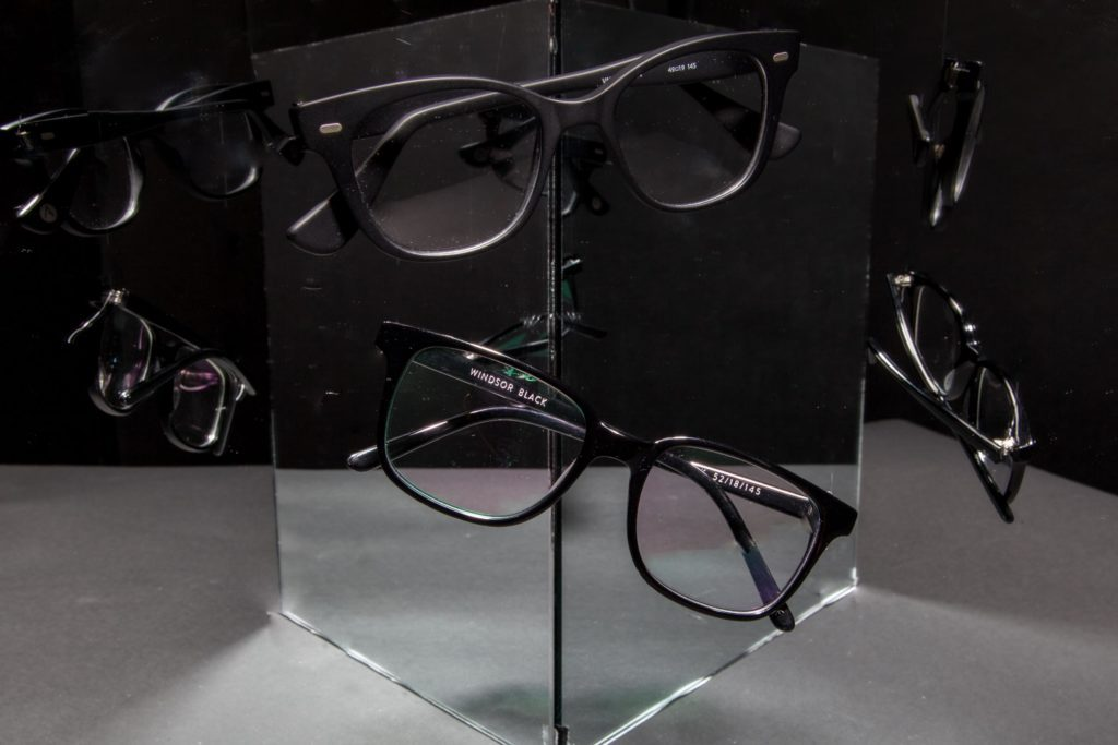 7bca049042 What Your Glasses Reveal About Your Personality