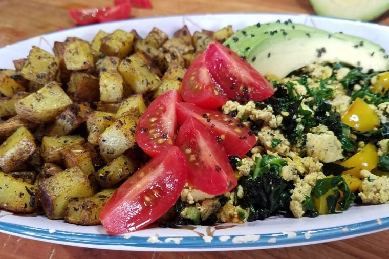 What do vegans eat 12 recipes to try this week readers digest courtesy catherine brownif eggs are your go to morning meal try this plant based tofu scramble from chef catherine brown great for special weekend or forumfinder Images