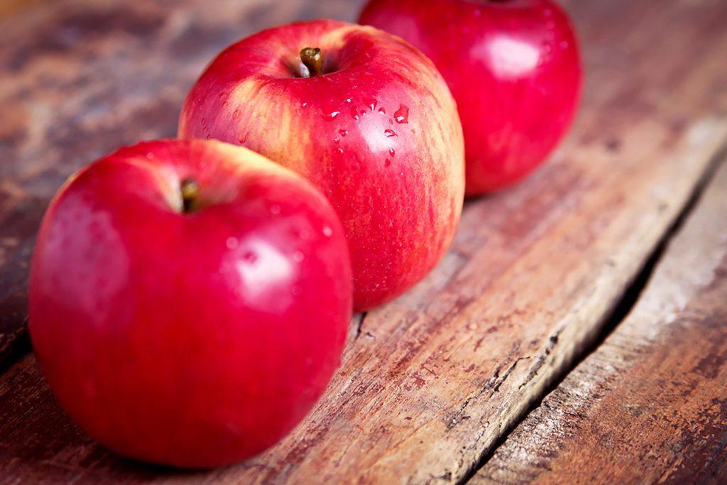 apple food. mariia boiko/shutterstock\ apple food