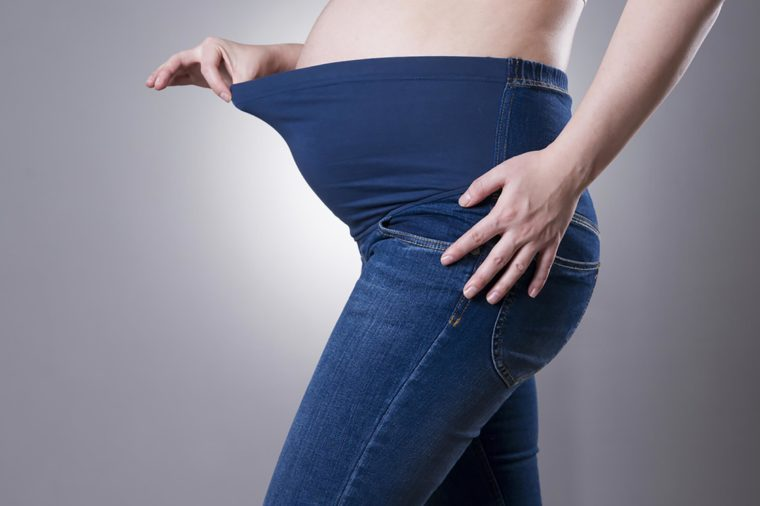 Molly Sims' Secret to Avoiding Pregnancy Stretch Marks ...
