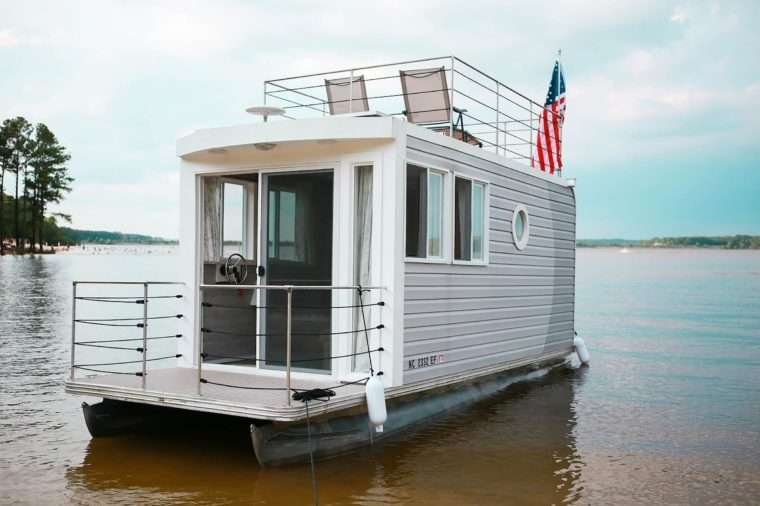Airbnb Houseboats Where You Can Sleep On The Water Reader S Digest