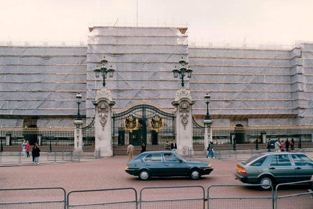 09-construction-rarely-seen-buckingham-palace-editorial-1422443a-Barry-Phillips-ANL-REX-Shutterstock