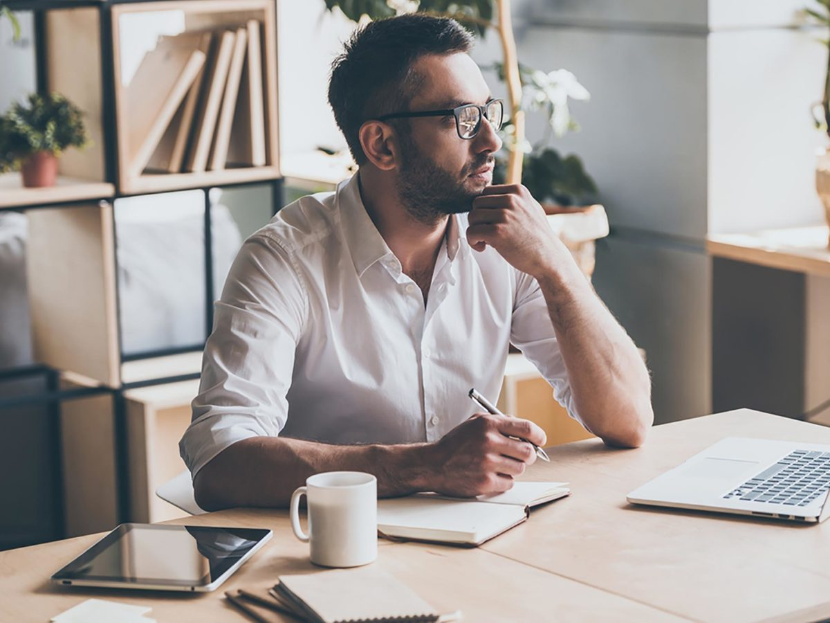 Annoying Co-Workers: Make Sure You're Not One of Them! | Reader's Digest